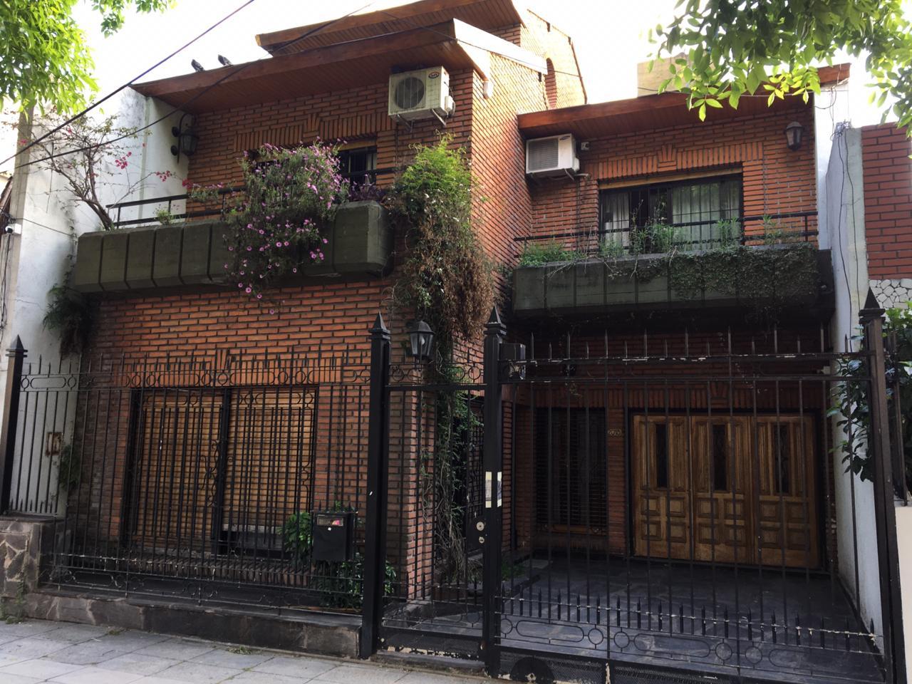 Casa 4 Amb. C/ 2 Cocheras